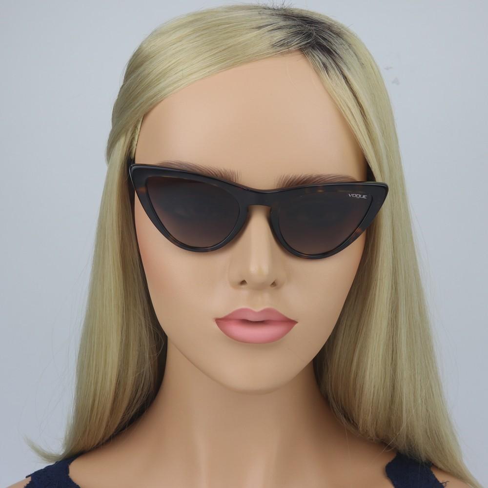 b67942f8e6e60 ... Óculos de Sol Vogue Gatinho Armação Acetato Tartaruga Lente Marrom  Degradê Sem Plaquetas 0vo5211s w6561354 ...