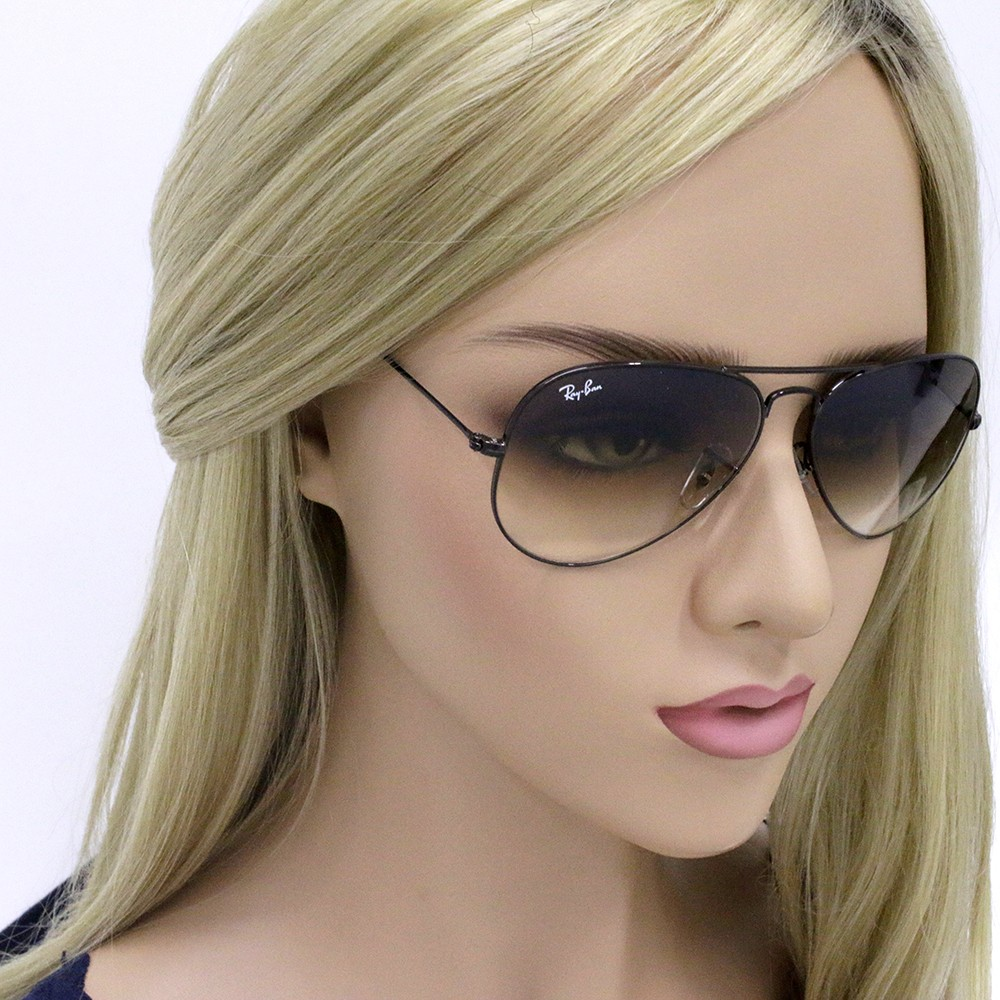79ae5359e959e Óculos de Sol Ray-Ban Aviador Armação Metal Preto Lente Marrom Degradê Com  Plaquetas 0rb3025l014 ...