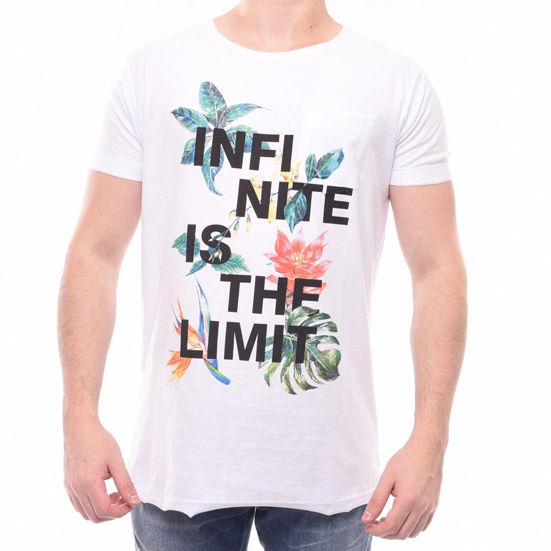 Camiseta Booq Estampa Floral com Bolso Branca - LM Martins - Veste ... 7a376cb049670