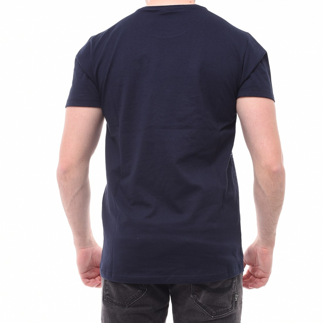 Camiseta Oakley Estampada com Bolso Azul Marinho · Camiseta Oakley Estampada  com Bolso Azul Marinho ad0a77ec7f8d6