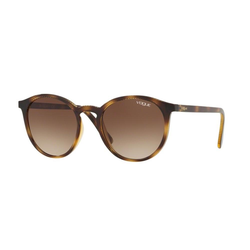 d4fb6b17ef0e2 Óculos de Sol Vogue Redondo Armação Acetato Tartaruga Lente Marrom Degradê Sem  Plaquetas 0vo5215s w6561351 ...