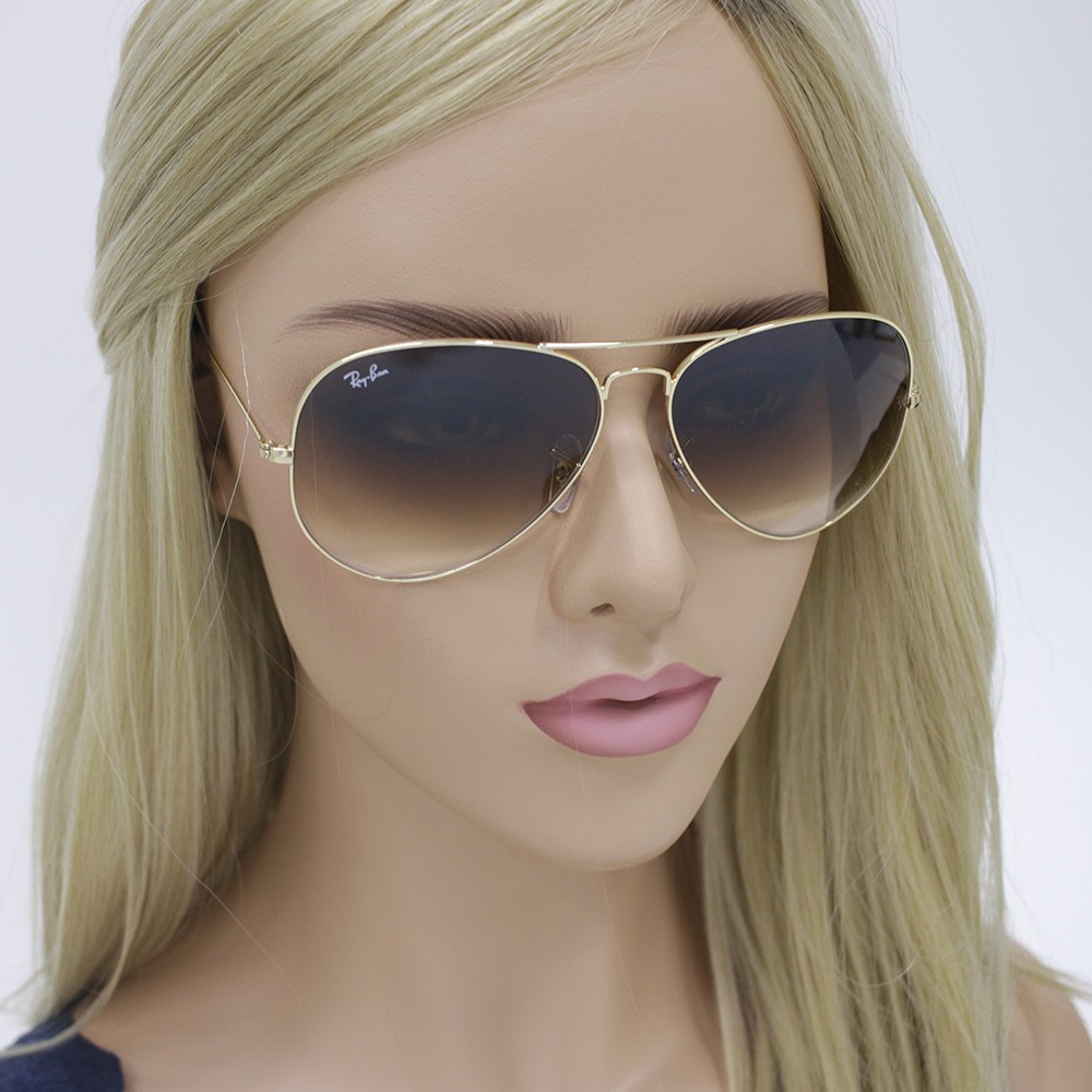 390f98f7c5aa8 ... Óculos de Sol Ray-Ban Aviador Armação Metal Dourado Lente Marrom Degradê  Com Plaquetas 0rb3025l001 ...