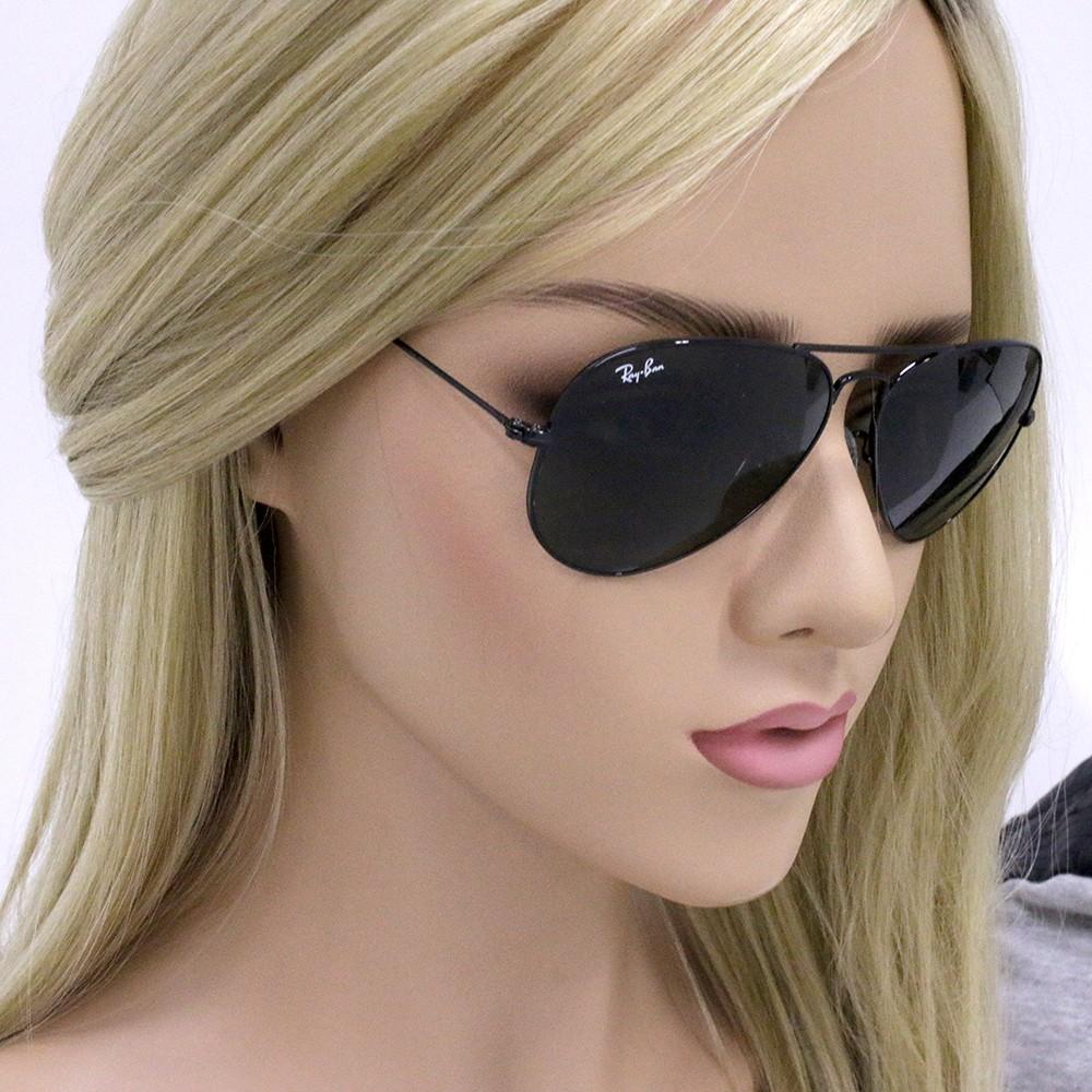 86e4525674ce4 ... Óculos de Sol Ray-Ban Aviador Armação Metal Preta Lente Preta Comum Com  Plaquetas 0rb3025l ...