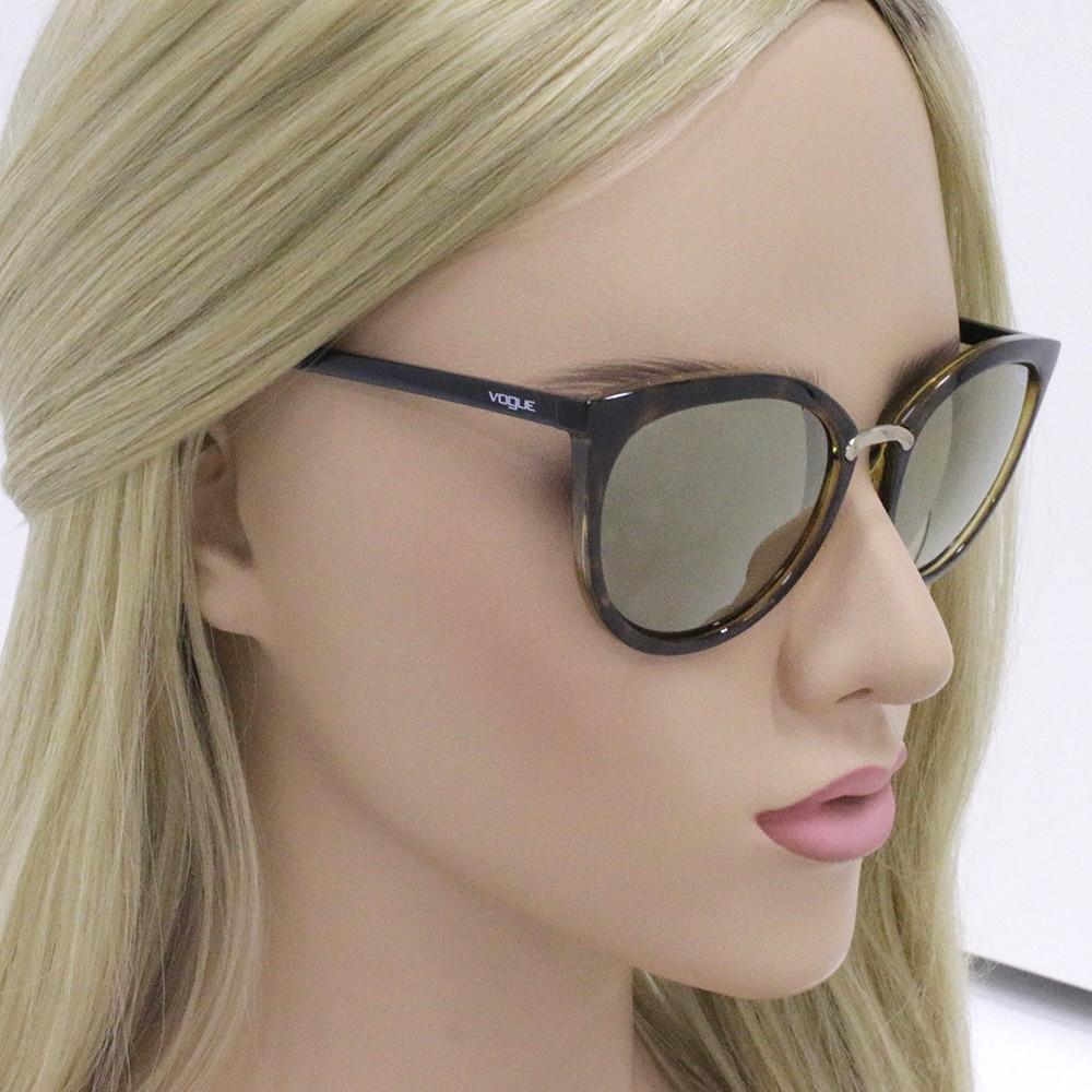 47766e5ff4f82 ... Óculos de Sol Vogue Gatinho Armação Acetato Tartaruga Lente Marrom  Espelhada Sem Plaquetas vo5122sl w6565a54 ...