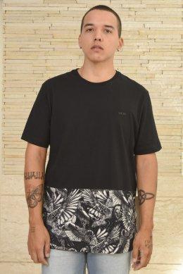 b2856b1c38cec Camiseta MCD Bicolor Barra Estampada Preta